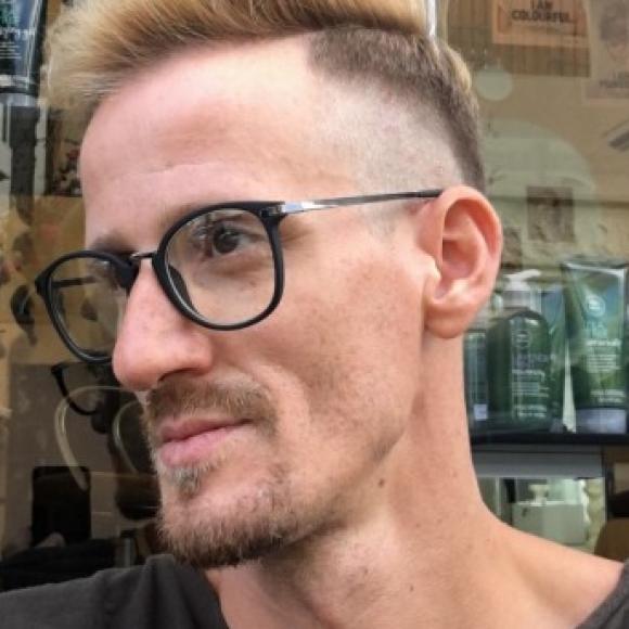 Mayer Krisztián profilképe