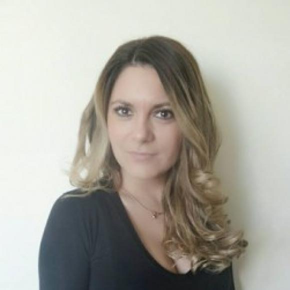 Müller Beatrix profilképe
